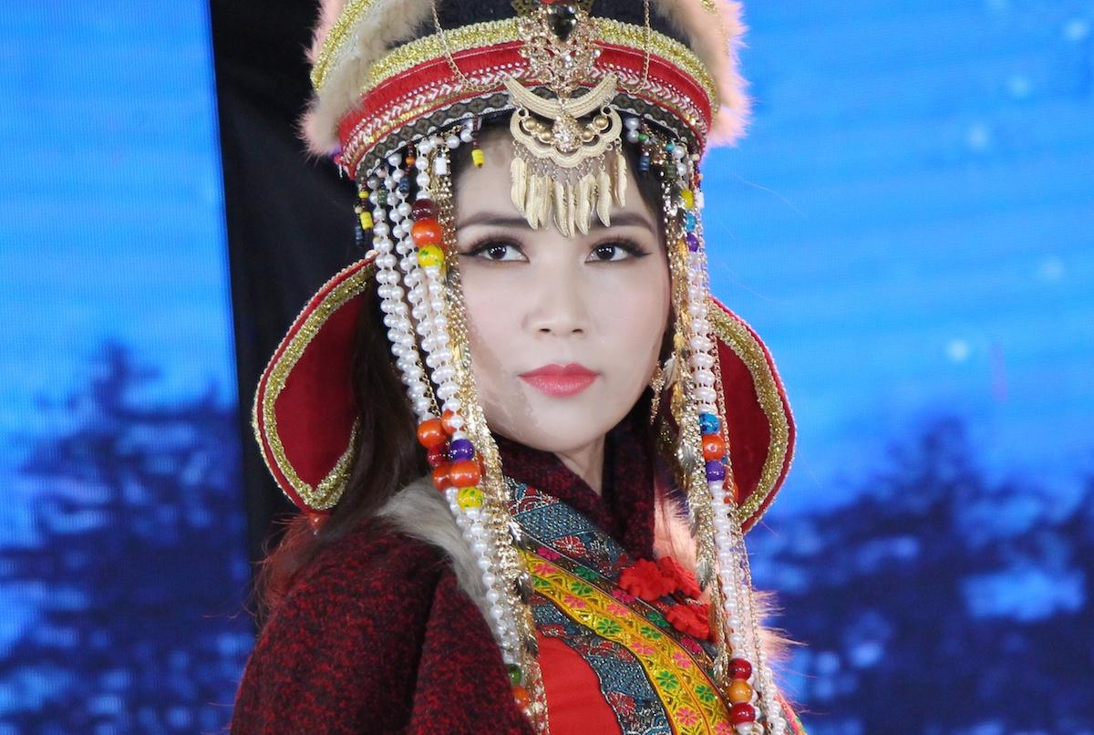 Nhu Huynh Noi Gi Truoc Danh Xung Hoa Hau Cai Luong 2